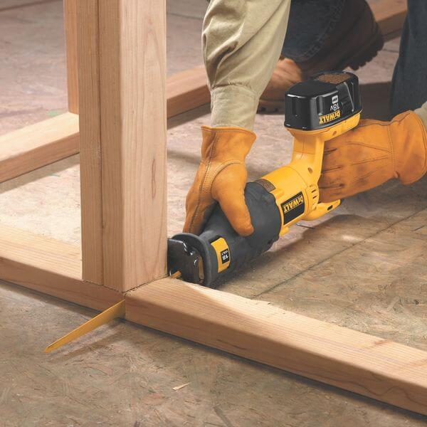 DEWALT 18-Volt Cordless Reciprocating Saw